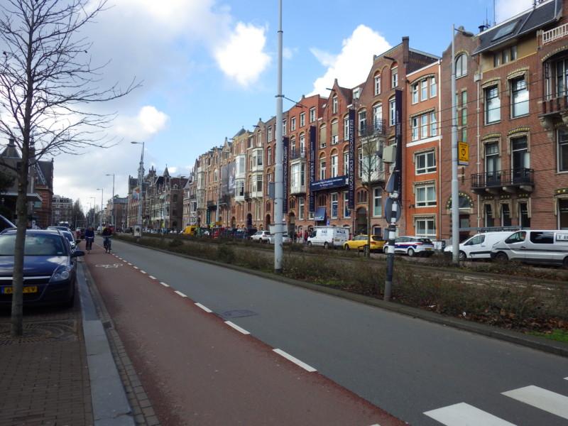 アムステルダムにある自転車道の様子
