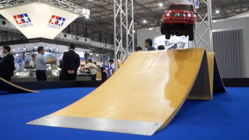 CC-02デモ走行のジャンプ