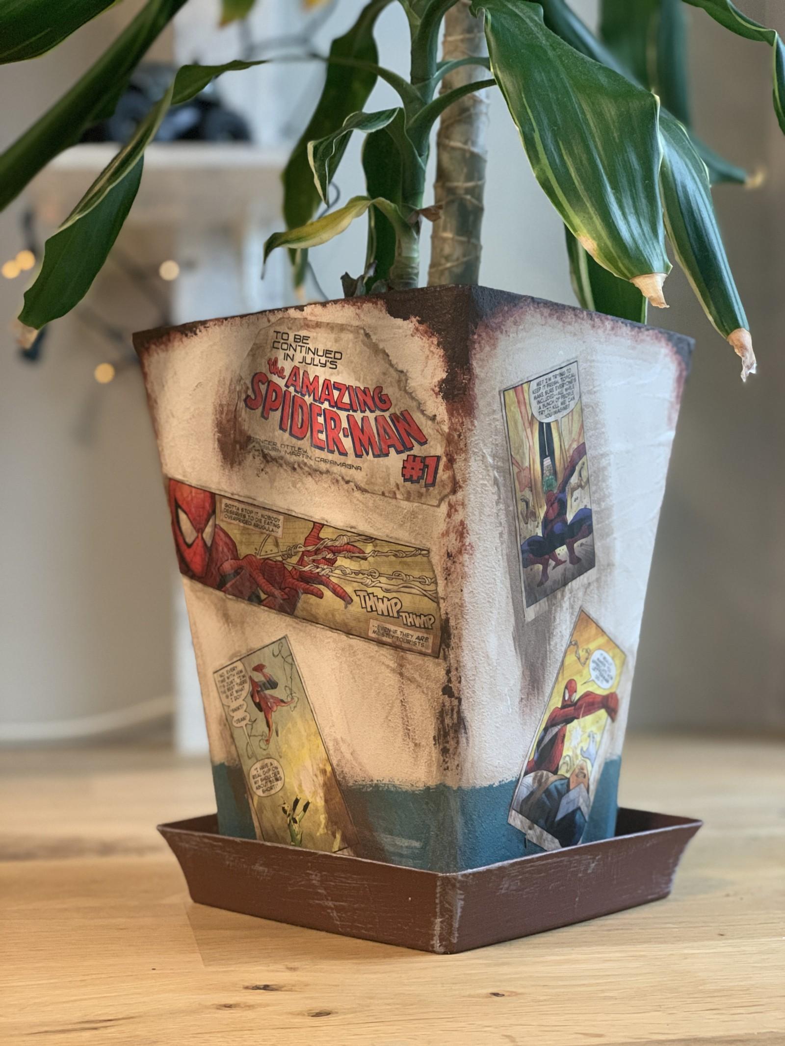 アメコミを使ったビンテージ風植木鉢DIY