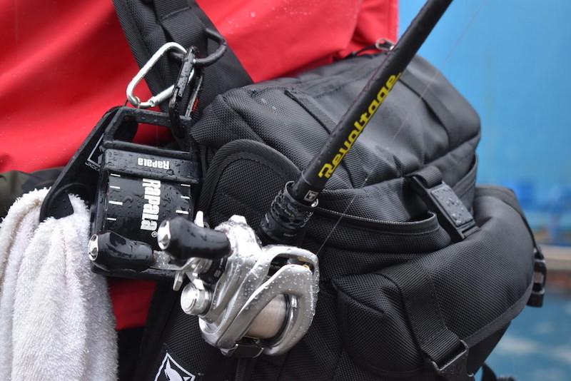 ジャッカル・リボルテージとタックルバッグ