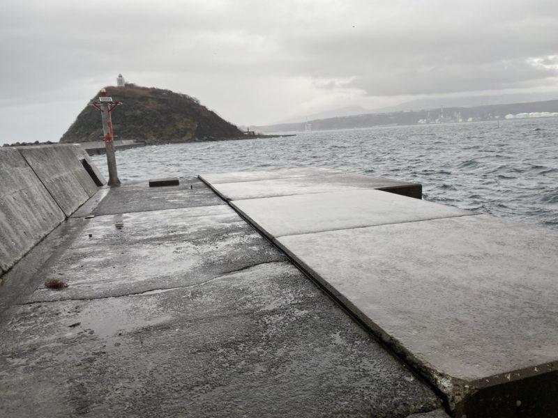 沖堤の先端