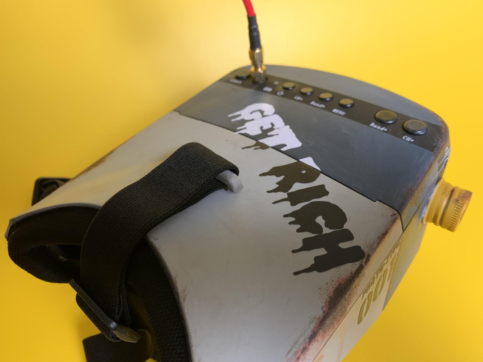 マイクロドローン用FPVゴーグルのカスタム塗装